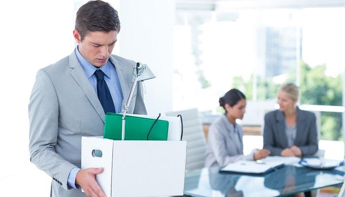 rozwiązanie, wypowiedzenie umowy o pracę przez pracownika