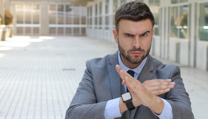 Jak się bronić przed zarzutem mobbingu w miejscu pracy?