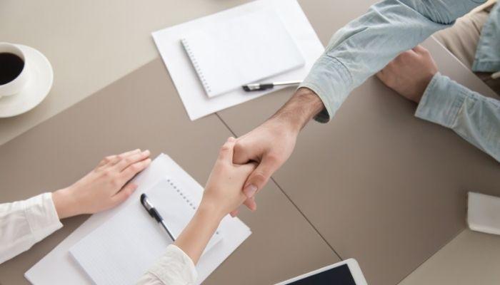 Umowa świadczenia usług i umowa zlecenia